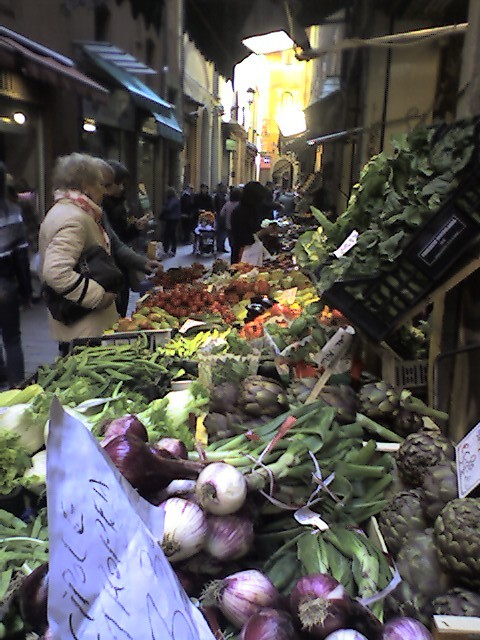 Local produce in markets near the grand plaza (Jason Meggs).